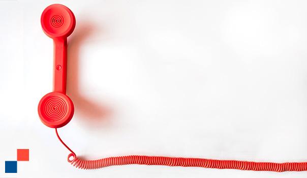 Téléphone des années 60 aux couleurs OAIO pour permettre le contact